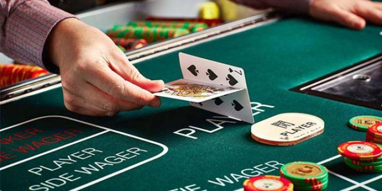 How Does Poker Online Different from Online Baccarat? - Fitness Omni